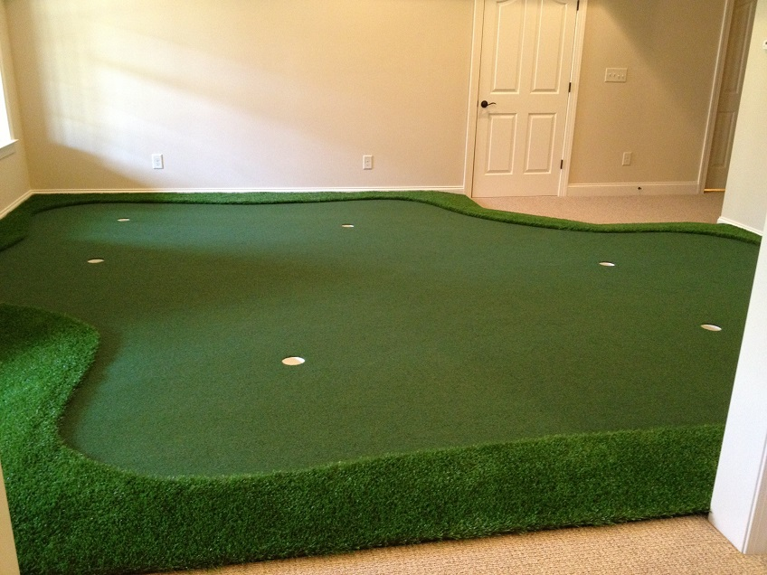 Ordinaire Golf Room With Putting Green